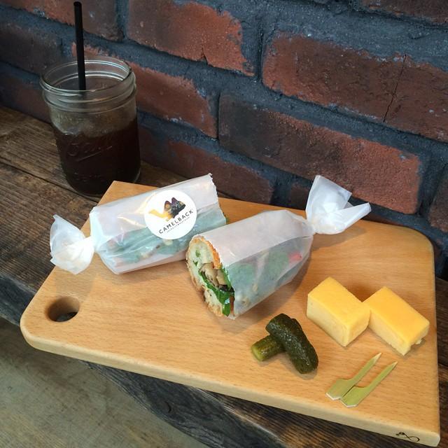 カッティングボードの納品以来。気がつけばご無沙汰しちゃってました。sandwich for the beauty (エメンタールチーズとお野菜のサンドウィッチ)とcamelblack。ごちそうさまでした!CAMELBACK sandwich&espresso渋谷区神山町42-2ケースの件、少々お待ちください。近々、連絡します!! - from Instagram