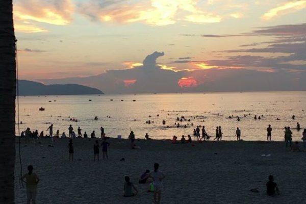 ダナン 早朝のビーチ